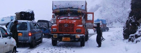 Kashmir Highway remain closed for third day due to fresh snowfall, landslides