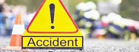 Double-decker bus meets with accident due to fog in Agra