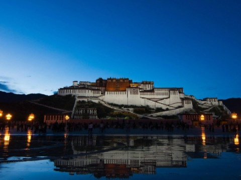 Tibet closed to foreigners
