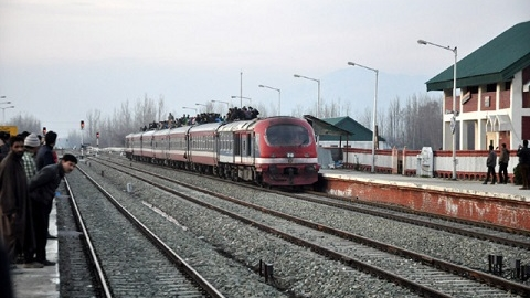 Train services remain suspended in Kashmir