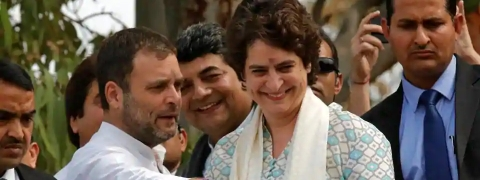 New entrant Priyanka marvels crowd in Lucknow road show