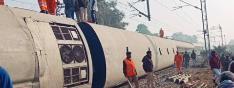 PM expresses anguish at loss of lives due to Seemanchal Express derailment