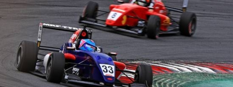 Jamie Chadwick leads MRF Challenge with win