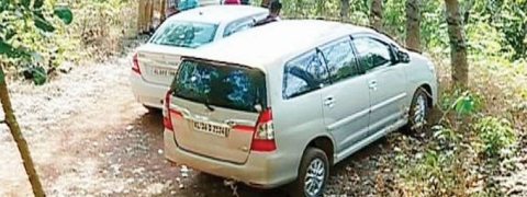 Crime Branch probing Kasaragod twin murder finds three hidden vehicles