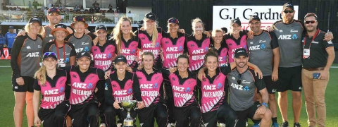 New Zealand women defeats India; sweeps T20 series