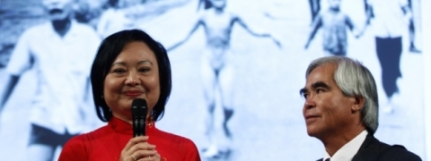 German award for 'napalm girl'