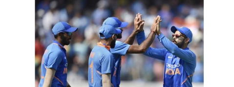 1st ODI: Australia post 236/7 against India
