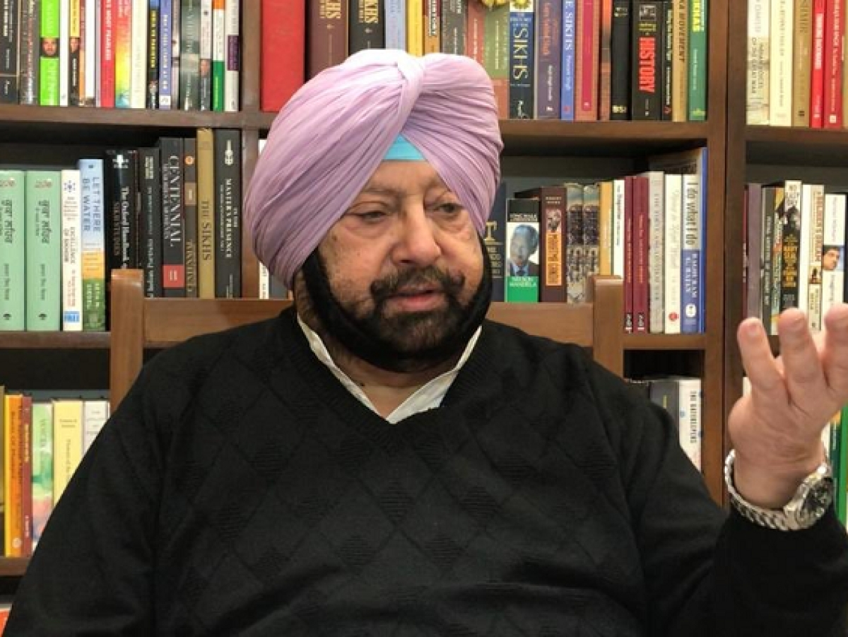 Amarinder asks police to be humane & sensitive in dealing with curfew violations