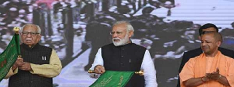 PM flags off Lucknow Metro