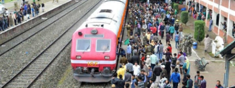 Train service resumes in Kashmir