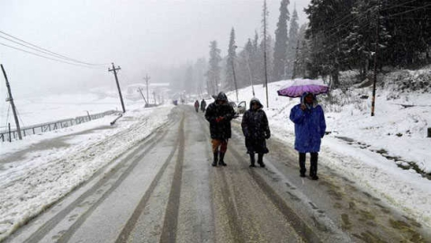 Karnah road reopens; snow removal continues on Keran, Gurez roads