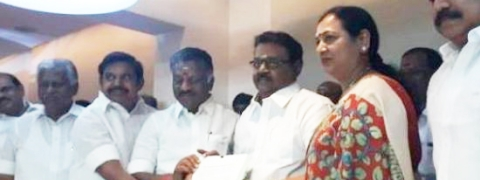 DMDK joins AIADMK front, accepts four seats