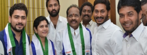 TDP MP Thota Narasimhan, Industrialist PVP join YSRCP