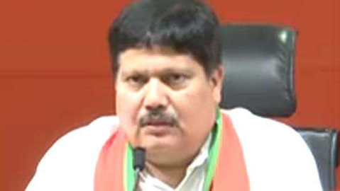 Attack on woman supporter: BJP candidate Arjun Singh leads Rail Roko
