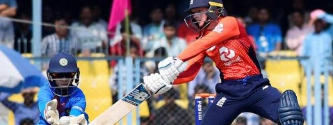 England wins second T20 by 5 wickets; attains unassailable lead