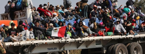 Truck carrying Central American migrants roll-over in Mexico: 25 killed