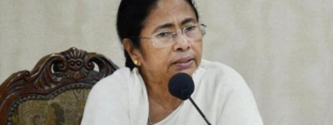 Mamata goes all out to put 42 seats to her kitty from Bengal