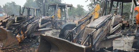 Dreaded Maoists set two JCB machines on fire