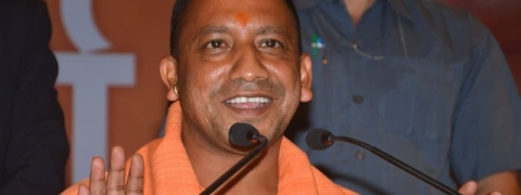 UP CM offers prayers at Hanuman setu temple in Lucknow