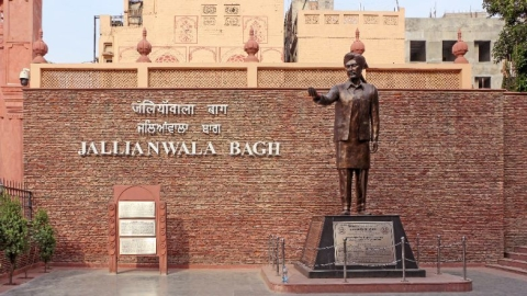 Jallianwala Bagh centenary: Prez, PM pay tributes to martyrs
