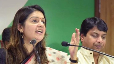 Priyanka Chaturvedi criticises Cong for reinstating goon leaders