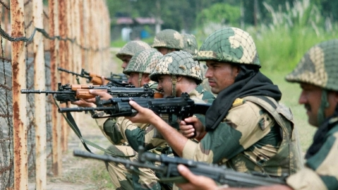 Pakistan again violates ceasefire on LoC in Poonch