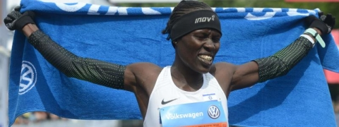 Lonah Salpeter wins women's contest of Prague Marathon