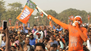 Poll campaign in Bengal cut short as EC cracks whip