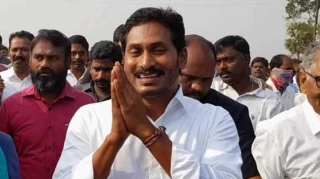 Jagan Reddy's YSRCP leads in Andhra