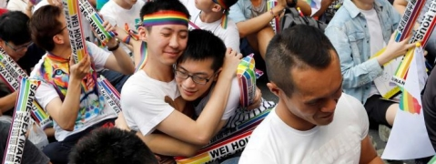 Taiwan gay marriage: Parliament legalises same-sex marriage