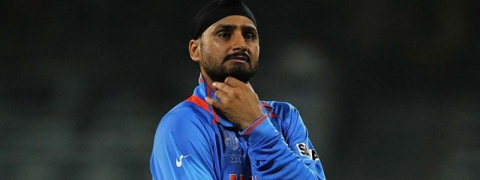 Shane Watson batted with a bloodied leg: Harbhajan Singh