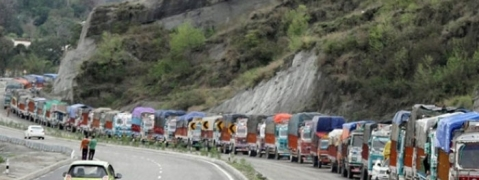Kashmir highway opens for one-way only