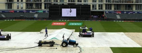 Pak vs Sri Lanka match toss delayed due to rain