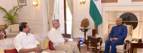 Jaishankar and MoS pay courtesy call on Prez, V-P