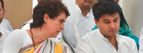 Priyanka, Scindia to assess poll debacle in UP this week