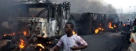 18 killed as bus, truck collide in Nigeria