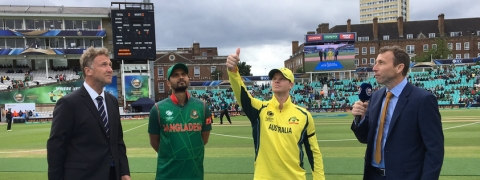 Australia win toss, opt to bat