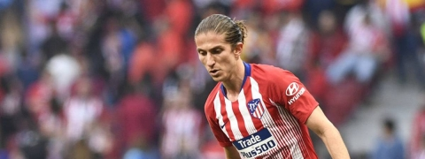 Filipe Luis to decide his future after Copa America