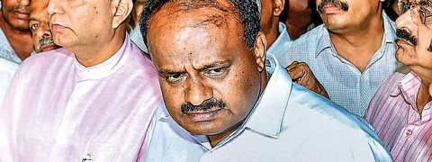 Karnataka CM Kumaraswamy declines to step down