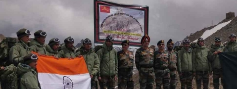 Soldiers undertake trekking expedition to commemorate victory in Battle of Tololing