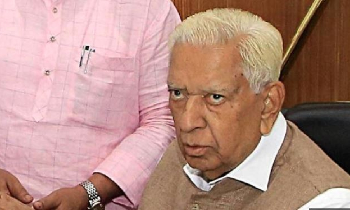 Karnataka: Governor asks CM to conduct trust vote by midnight