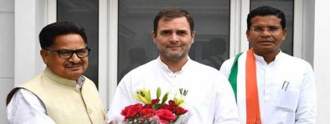 Rahul meets new C'garh PCC chief Mohan Markam