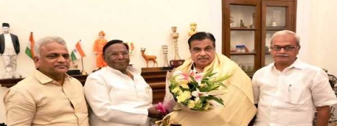 Pondy CM calls on Gadkari