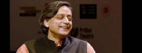 Tharoor's bouquets and brickbats for FM