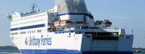 Brexit ferry deal rushed and risky, MPs say