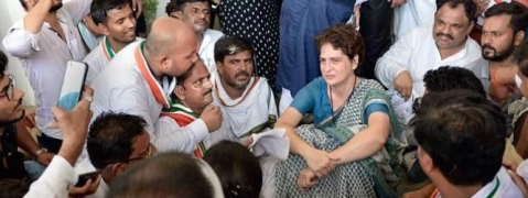 Priyanka meets two families of Sonbhadra victims; dharna continues