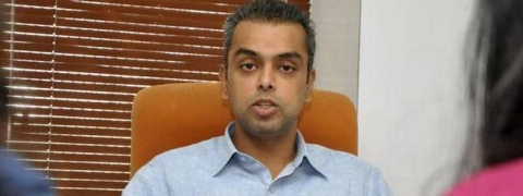 With an eye on national role, Milind Deora quits Mumbai Cong chief post