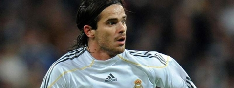 Former Real Madrid midfielder Gago returns to football