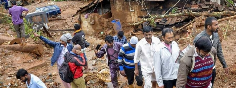 Congress demands Rs 10 lakh to each House collapsed in Karnataka