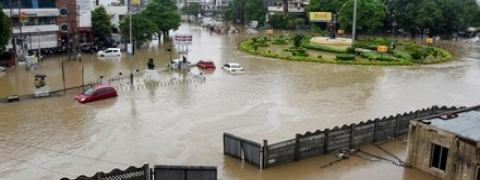 5000 shifted from rain flood ravaged Vadodara city, one body found,